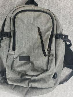 water resistant laptop 17in backpack usb charger
